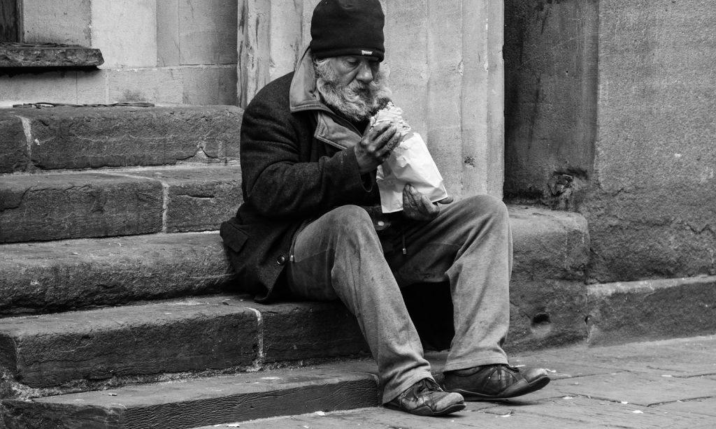 Algunos datos para conocer a las personas mayores sin hogar