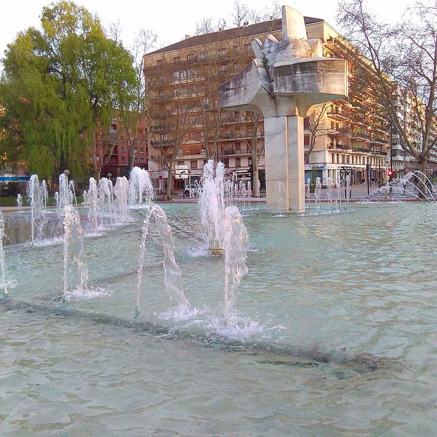Vitoria - Fuente de la Plaza de la Constitución