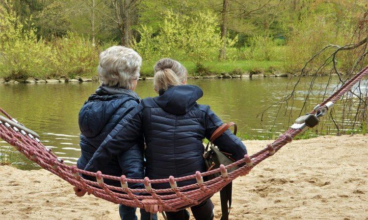 La sororidad como estrategia del buen envejecer: una reflexión desde la teoría feminista (2ª parte)